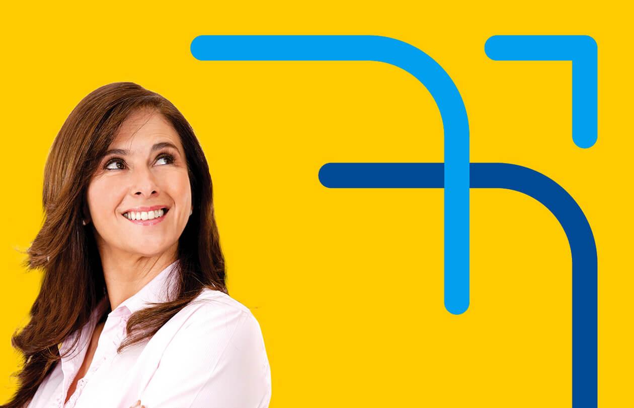 BH Airport | Mulher olhando para o símbolo